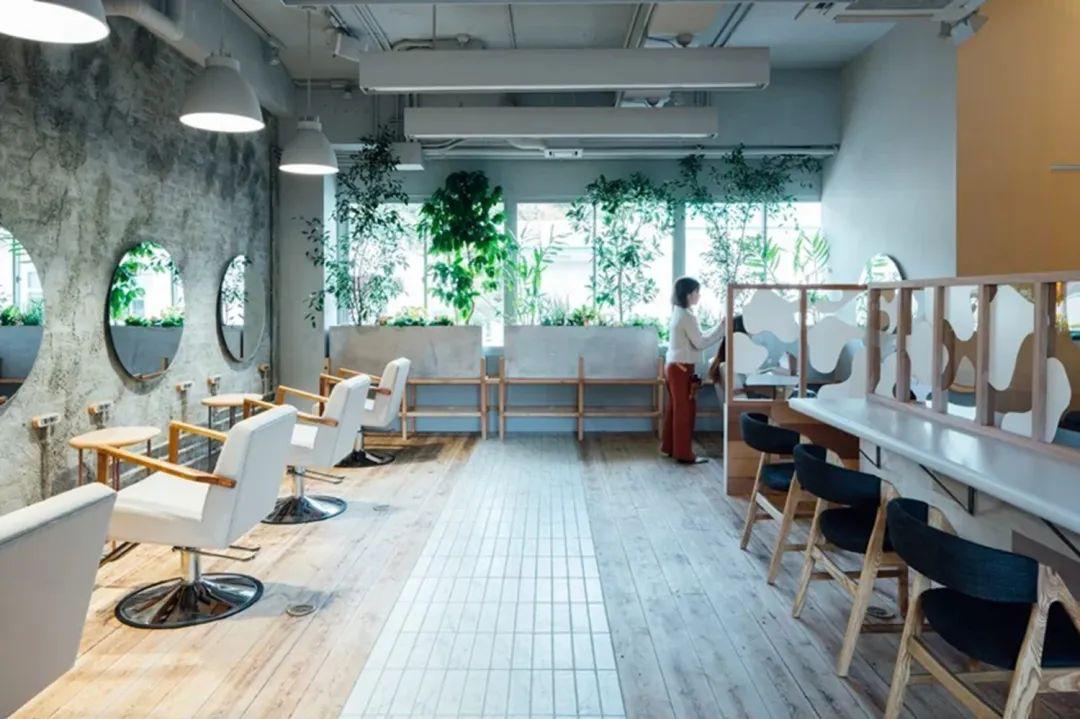 一家以《天空之城》为原型打造的绝美理发店