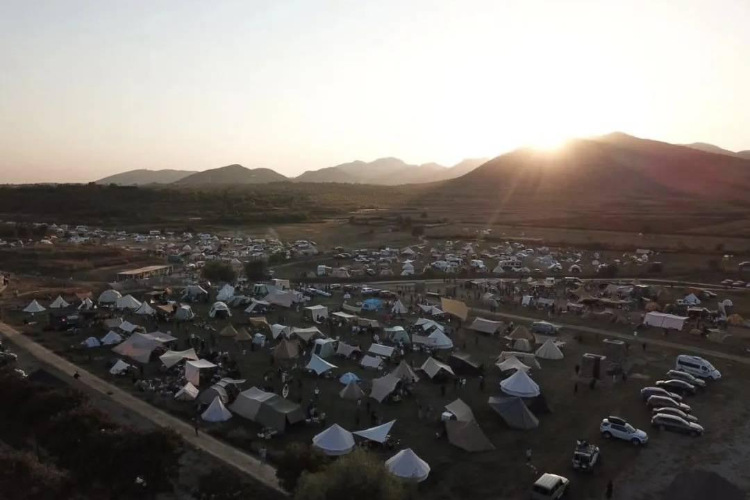 太格露营:3天5000人在大自然里建造了一座理想之城