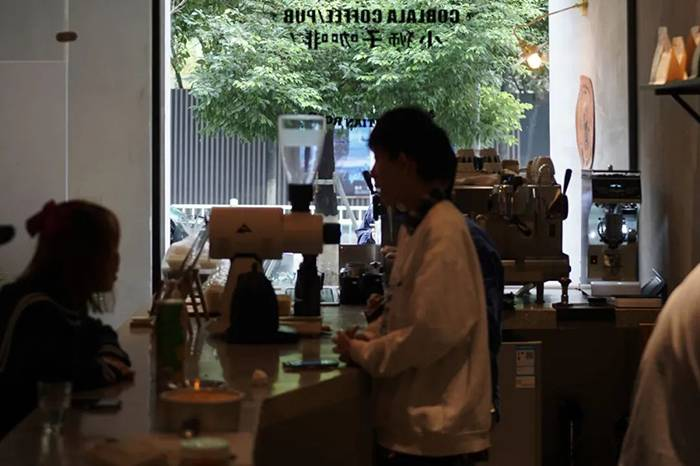魔幻城市图鉴:重庆的咖啡甜品都是这种水平?